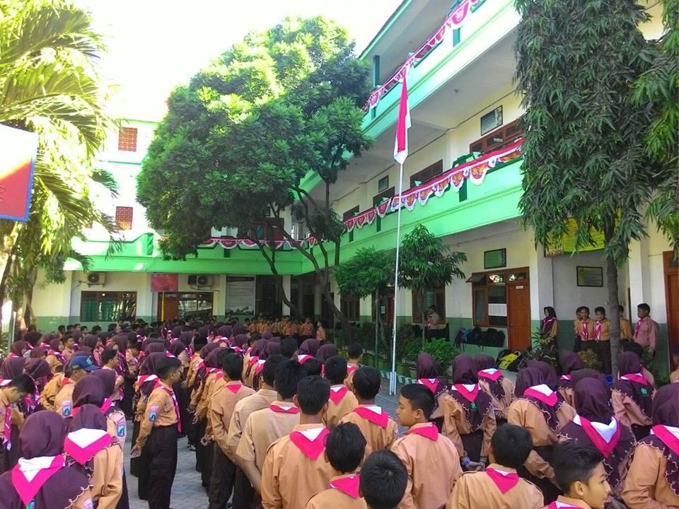 Green School SMP Buana